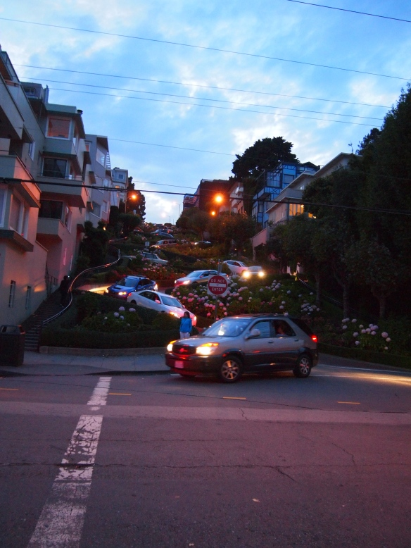 A wide angel lens makes Lombard Street look more compressed and less tall - at this distance there is not a lot of curve distortion.